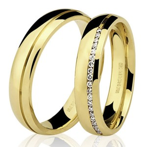 Par de Alianças em Ouro 18K com Diamantes