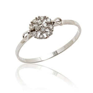 Anel Solitário em Ouro Branco 18K com Diamantes