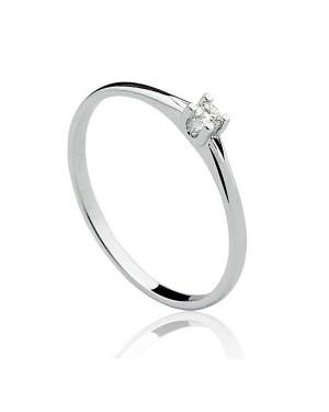 Anel Solitário em Ouro Branco 18K com Diamante