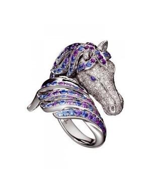 Anel Cavalo em Ouro Branco 18K com Ametistas e Diamantes Brancos e Azuis